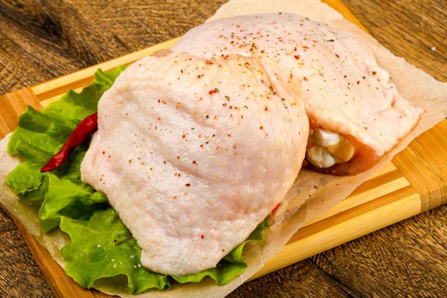 Chicken Thigh (Bone In) - L&M Meat